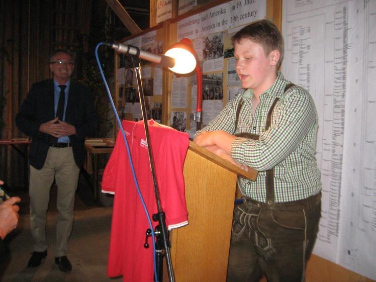 Bild 1 Begrüßung durch Felix Hiob mit Bürgermeister Ludwig Prögler